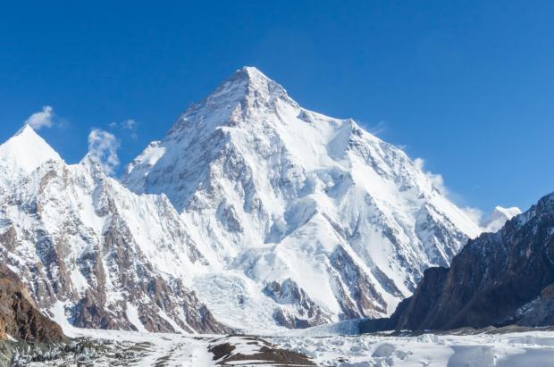 """Vídeo: Escalando sin oxigeno el K2, """"La Montaña salvaje"""""""