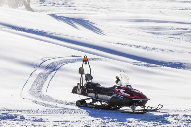 Fallece un trabajador de Grandvalira en un accidente con una moto de nieve