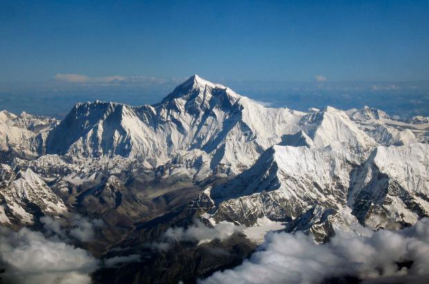 Los atascos en la cima no impedirán que se construya la primera carretera al Everest