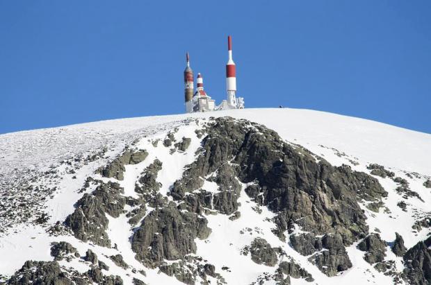 Navacerrada y Valdesquí abren pistas