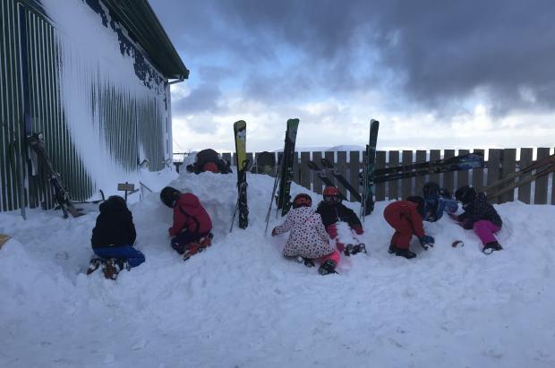 Las nevadas dejan las estaciones de Escocia en las mejores condiciones de la temporada de esquí