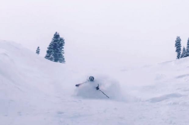 Vídeo: Un niño de 9 años baja un fuera pistas con la nieve hasta la cintura como un dios