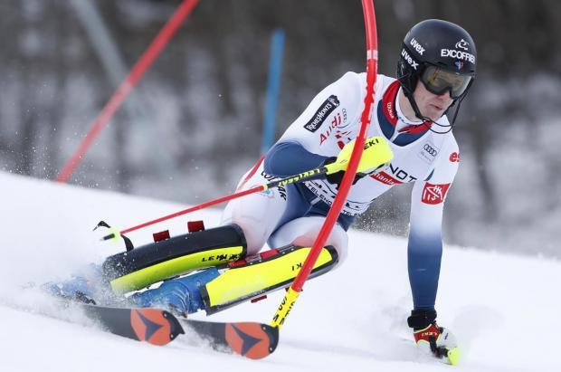 Victorias en casa de Noël en el slalom de Chamonix y Rebensburg en el descenso de Garmisch