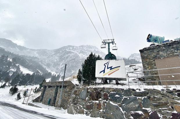 """Andorra intentará, al menos, """"salvar"""" a los compradores, sacrificando el esquí"""