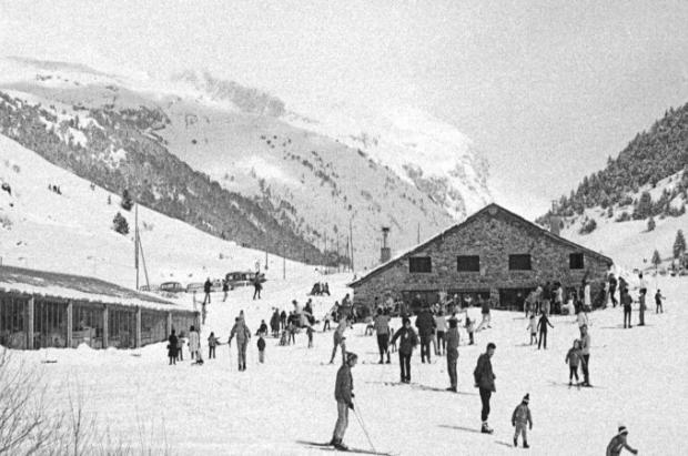 El Hotel Parador Canaro como mini-estación de esquí cumple 50 años
