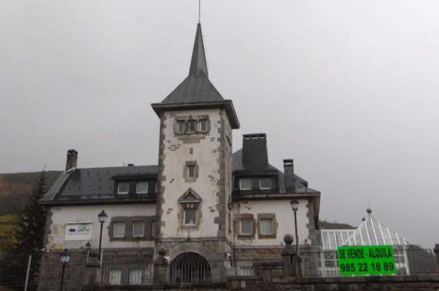 Los dueños del parador de Pajares lo ofrecen a grandes cadenas hoteleras