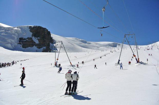 Cervinia deberá esperar a la apertura de la frontera con Suiza para abrir el esquí de verano