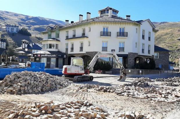 Sierra Nevada acomete la última fase de mejora de la Plaza de Andalucía de Pradollano