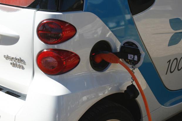 Port del Comte tendrá puntos de recarga rápidos para coches eléctricos