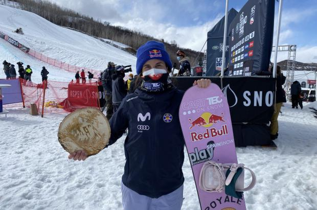 Queralt Castellet, medalla de plata en la Copa del Mundo de snowboard