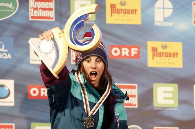 Plata histórica de Queralt Castellet en los Campeonatos del Mundo de snowboard