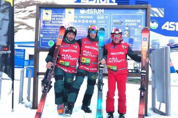 Luis Alberto Hernando y Sergio Lamas pulverizan en Astun el récord de esquí vertical en 24 Horas