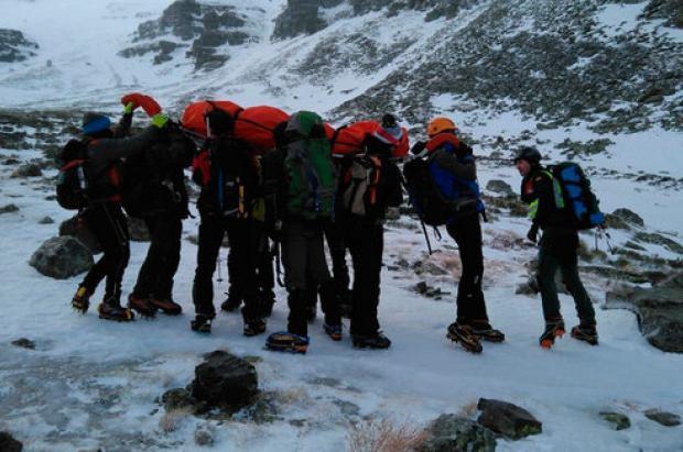 Rescate de altura: auxilian a una montañera herida de una pierna en el Moncayo