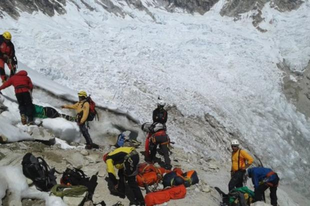 Rescatan los cuerpos de los tres montañistas fallecidos en el nevado Alpamayo