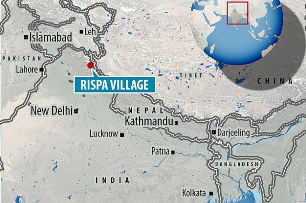 Una avalancha de nieve engulle un pueblo de la India unos instantes sin que haya muertos ni heridos