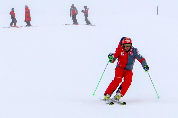 El equipo de esquí alpino austriaco vuelve al entrenamiento en el glaciar de Kaunertal
