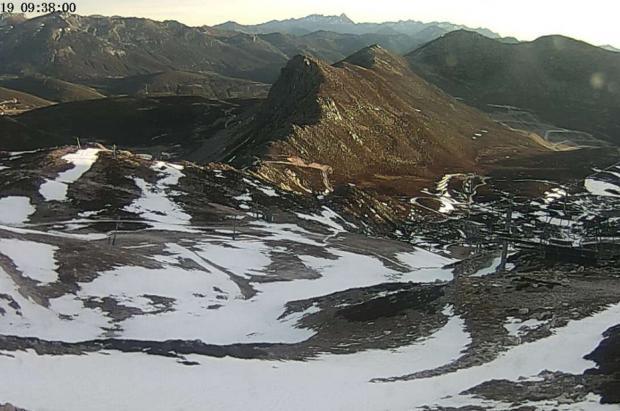 La falta de nieve provoca pérdidas de hasta un 20% en las estaciones de esquí de León