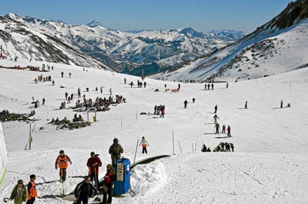 La Diputación León lanza el día del esquiador y un forfait 'low cost' de 4 horas