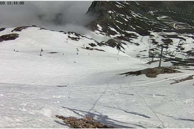 San Isidro es la primera estación de esquí de España que cierra por el coronavirus