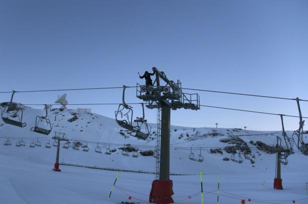 Sierra Nevada revisará el cálculo de aforo máximo de esquiadores para evitar aglomeraciones