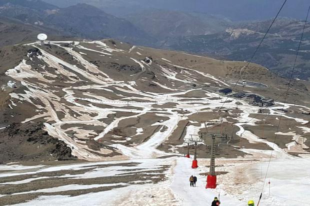 Sierra Nevada adelanta a este domingo 23 de abril el cierre de temporada