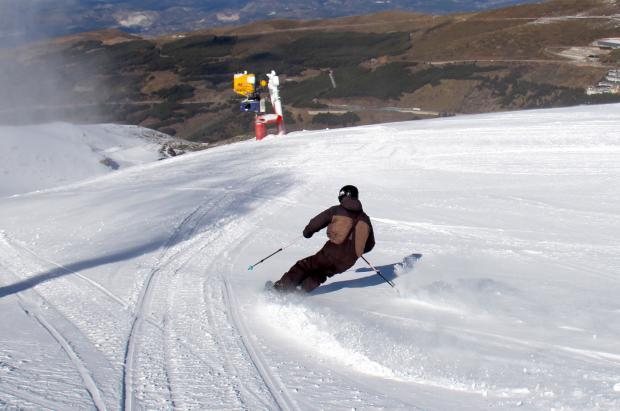 Sierra Nevada llega a los 1.200 metros de desnivel y a los 60 km esquiables este sábado