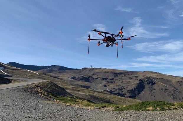Sierra Nevada cartografía desde el aire las pistas para mejorar la producción y el pisado de la nieve