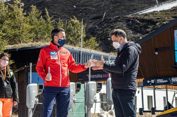 Sierra Nevada recibe el agradecimiento de la RFEDI por su apoyo a la competición