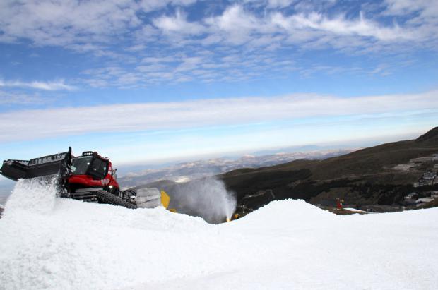 Sierra Nevada ya perfila la pista de la Copa del Mundo SBX de 6 y 7 de marzo
