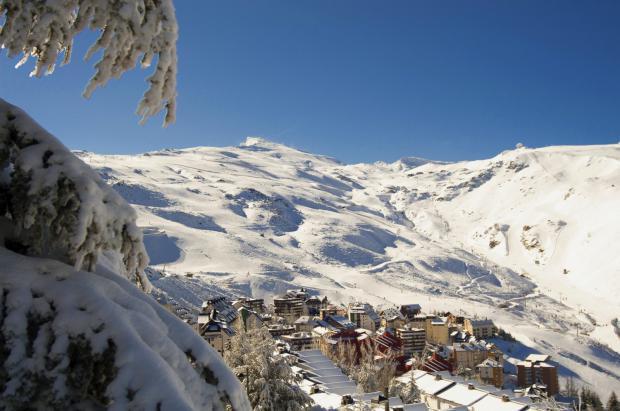 Sierra Nevada cierra la temporada de esquí y plantea como cómo devolver los forfaits