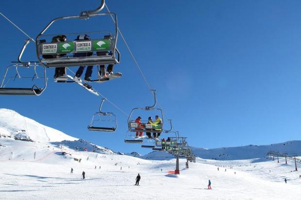 Las estaciones de esquí despiden las Navidades entre sonrisas y llantos