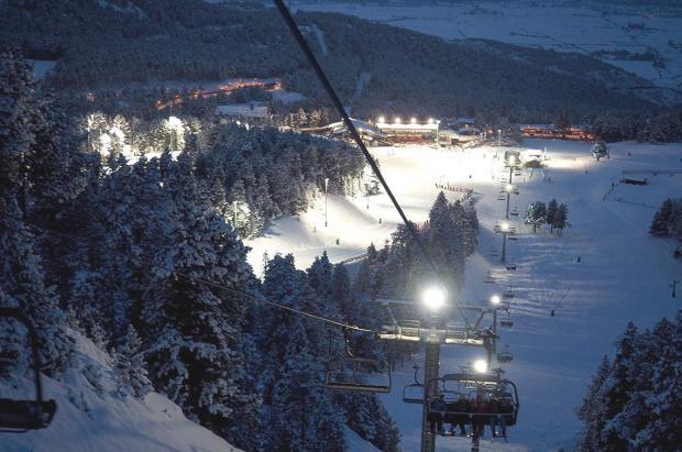 Masella enciende la luz del esquí nocturno este sábado