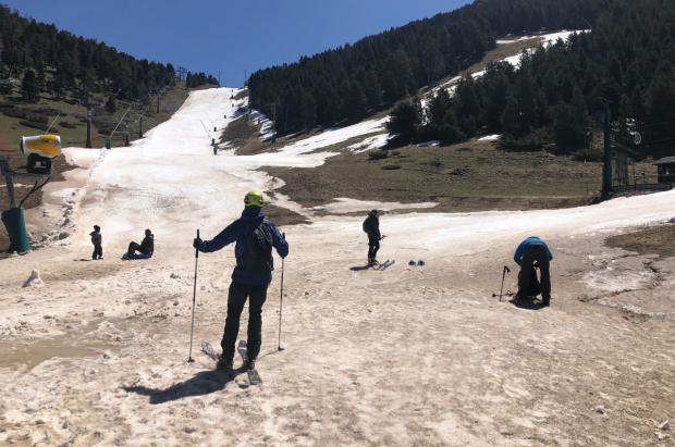 Si queda nieve ¿Por qué no esquiar?
