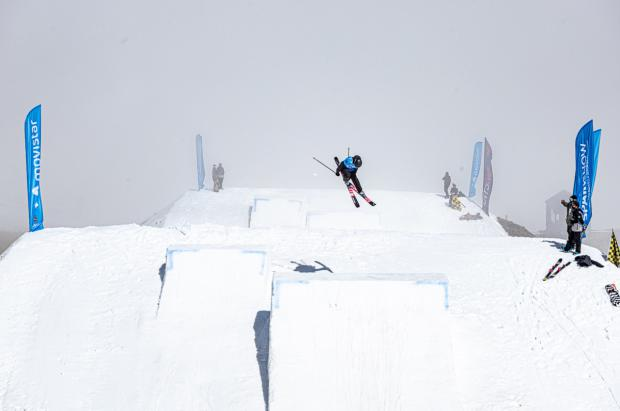 Sierra Nevada acoge con brillo los Campeonatos de España Movistar de slopestyle snowboard y freeski