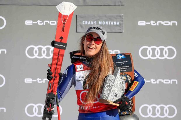 Sofia Goggia impone su ley y gana su segundo descenso consecutivo en Crans-Montana