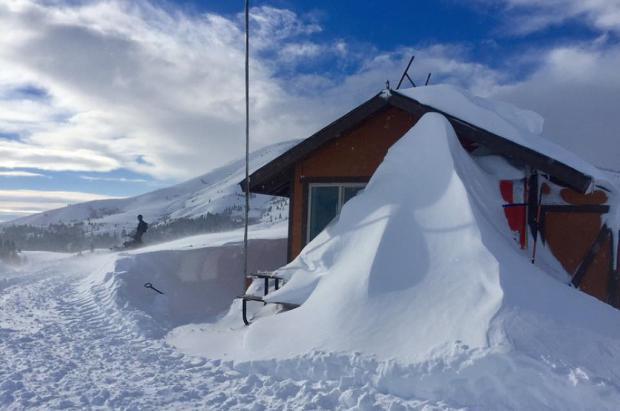 Si te sobran 800.000 dólares la estación de esquí de Bruce Willis vuelve a estar en venta