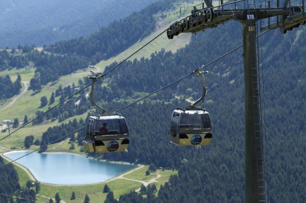 Las estaciones del Grup FGC presentan la temporada de verano con actividades para todos
