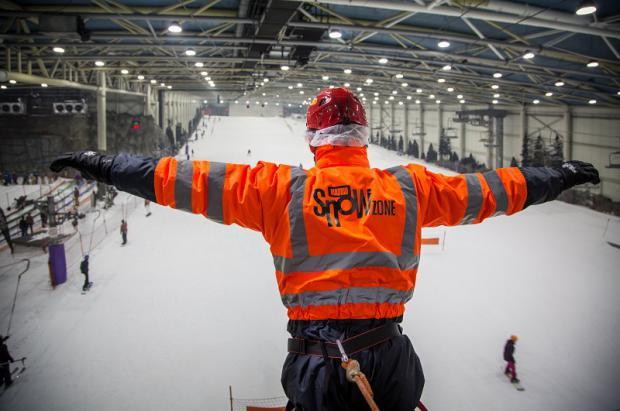 Madrid SnowZone inaugura la doble Tirolina Indoor más larga del mundo