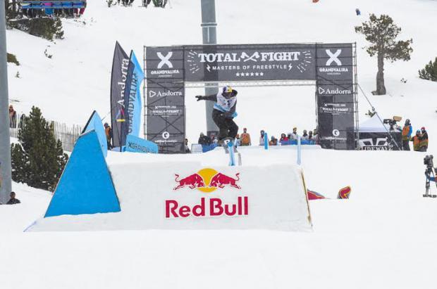 Eric Willet lidera la sesión de clasificación del Grandvalira Total Fight Snowboard