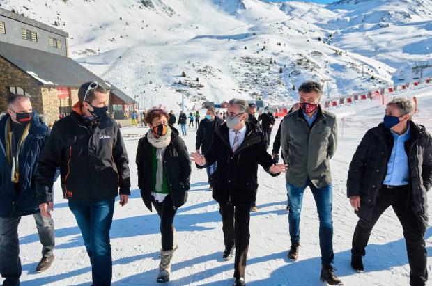 Generalitat i autoridades sanitarias, juntos, estudian posibilidades de movilidad comarcal, demandas del territorio y estaciones de esquí