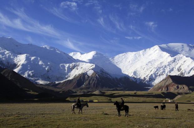 Inversores indios quieren construir una estación de esquí y una fábrica de fideos en Turkestán