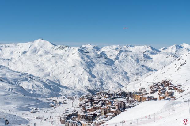 Las estaciones de esquí francesas seguirán cerradas hasta finales de enero