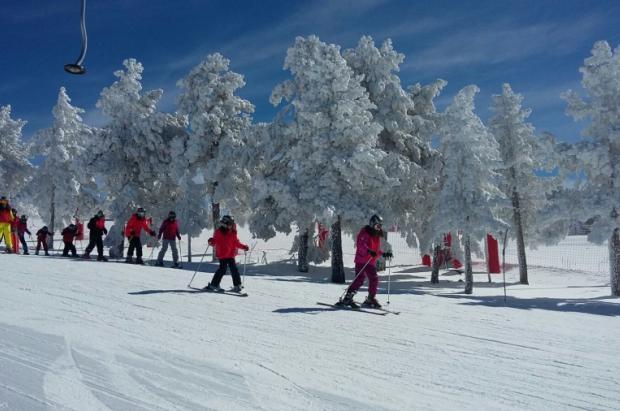 Las estaciones de Aramón empiezan marzo con espesores de más de metro y medio de nieve