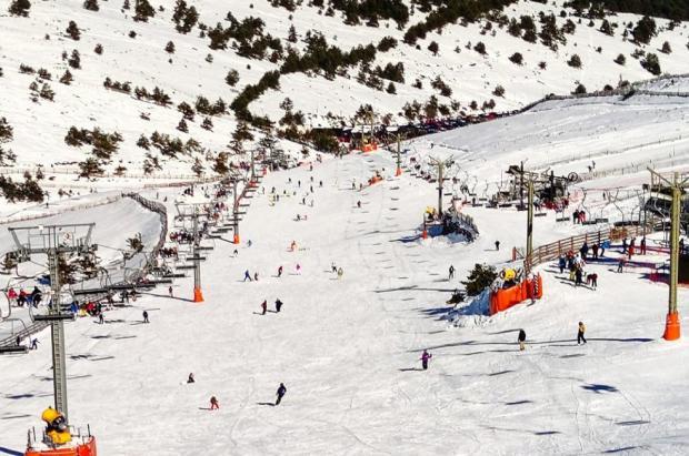 Valdesquí cierra una buena temporada de esquí con 80.000 visitantes y 53 días abierta