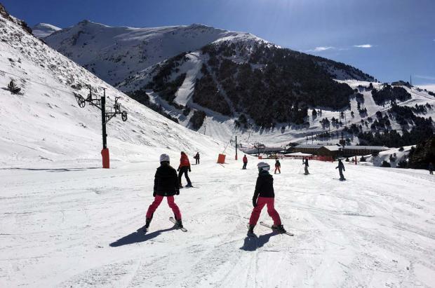 Vallter 2000 y Vall de Núria adaptan horarios y apertura al esquí de primavera