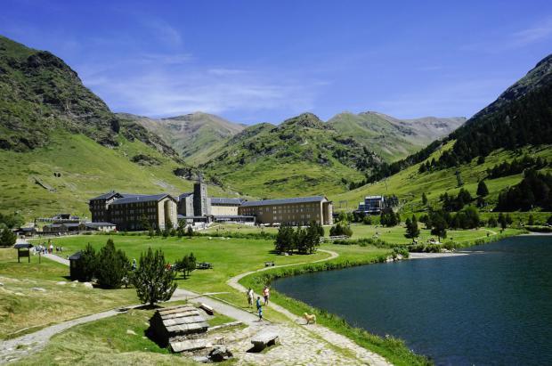 FGC apuesta por el uso de la energía geotérmica y la eliminación del gasoil en Vall de Núria
