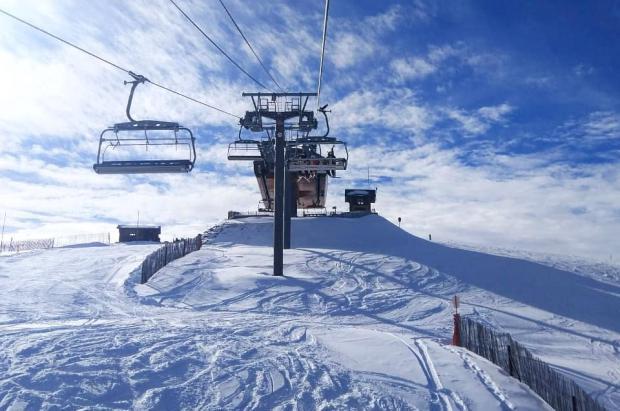 Pal-Arinsal inicia temporada con un millar de esquiadores en pistas