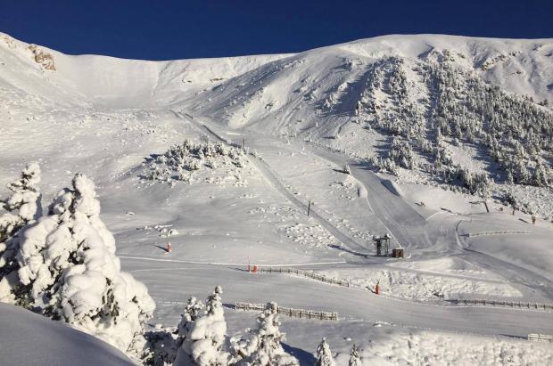 Buena parte del Pirineo ya tiene nieve, solo falta la movilidad para poder abrir las estaciones de esquí