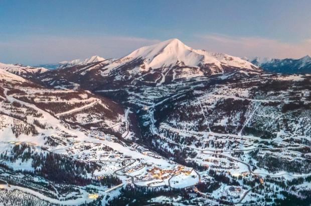 Los esquiadores ricos quieren reutilizar sus aguas residuales para producir nieve