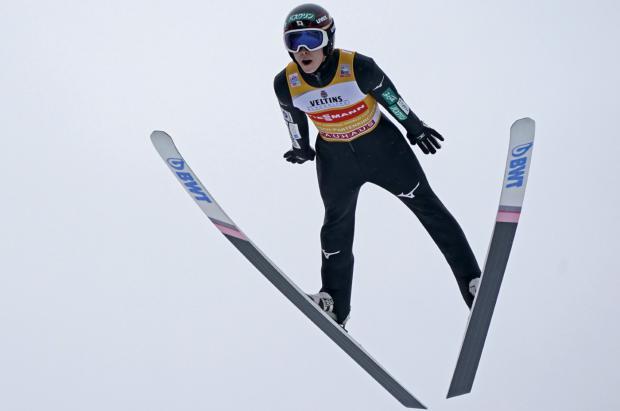 Kobayashi con su victoria en Garmisch vuela hacia la conquista de los 4 Trampolines